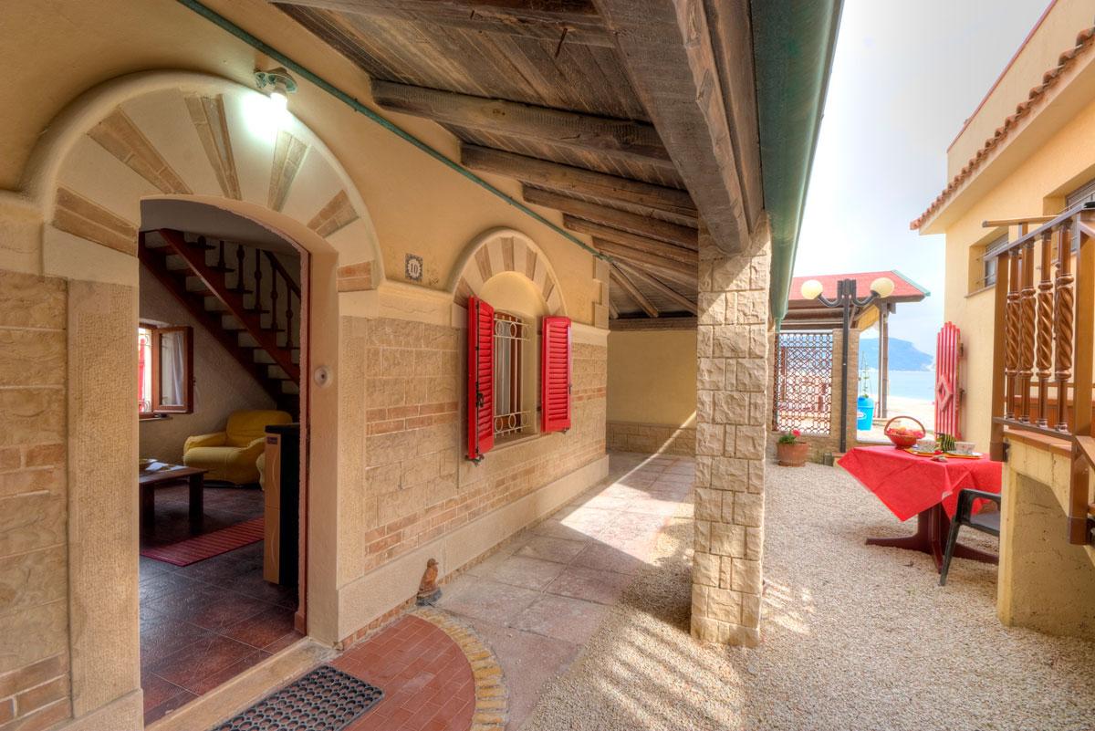 Appartamenti porto recanati case al mare porto recanati for Appartamento al mare design